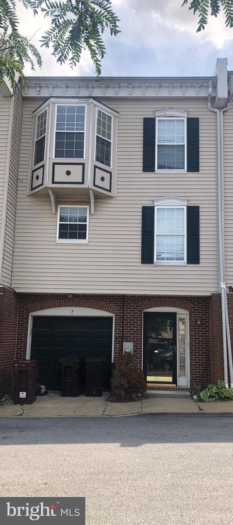 7 W Mccaulley Ct   - Best of Northern Virginia Real Estate